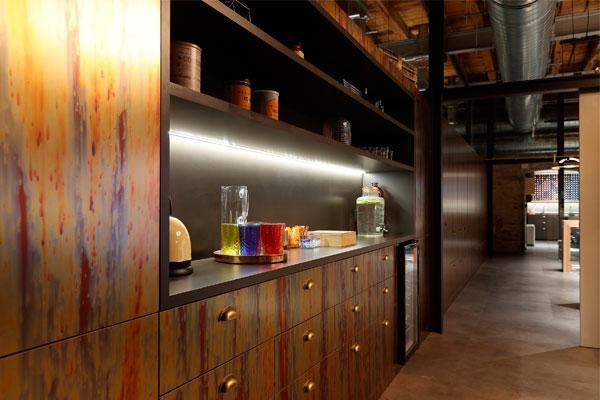 los materiales de formica en un edificio modernista de la colonia gell