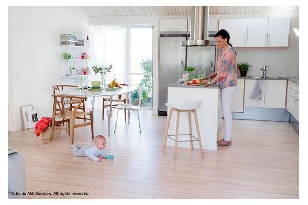 consejos bona para limpiar y mantener los suelos de madera