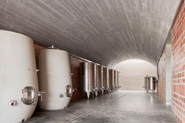 bodegas montras arquitectura hiprbolas y vino