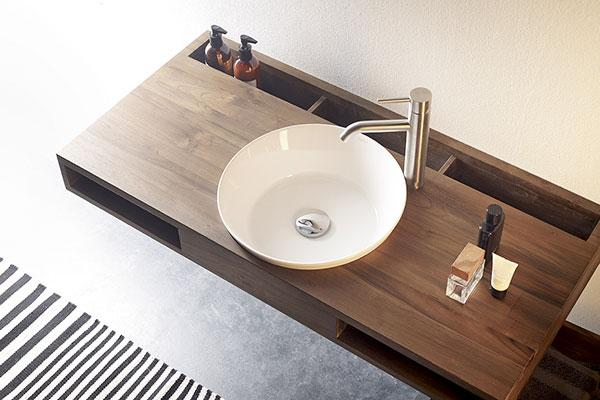 las natural series de bathco un homenaje a la madera