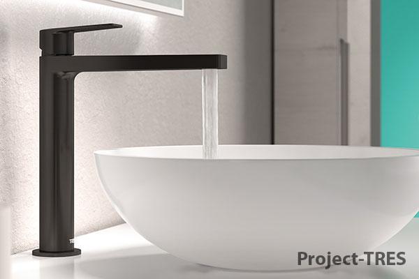 Grifería de color negro de TRES en el cuarto de baño, ¿por qué no?
