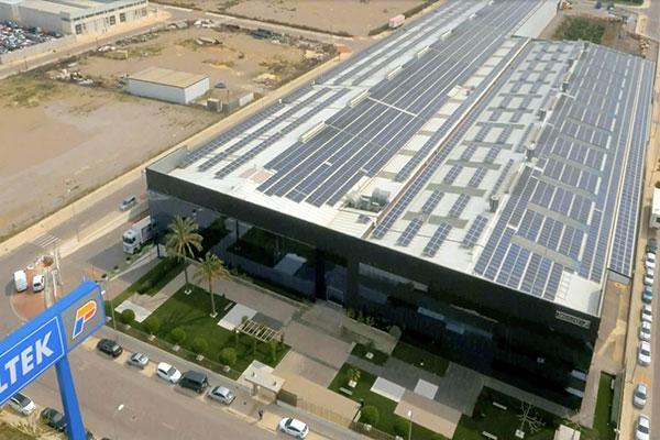 la planta fotovoltaica de profiltek cumple su dcimo aniversario