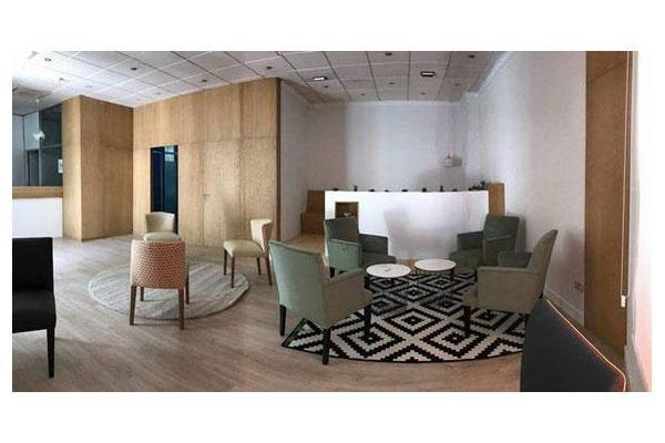 adore proporciona una amplia gama de tonos y texturas en madera de roble para crear clidos espacios interiores