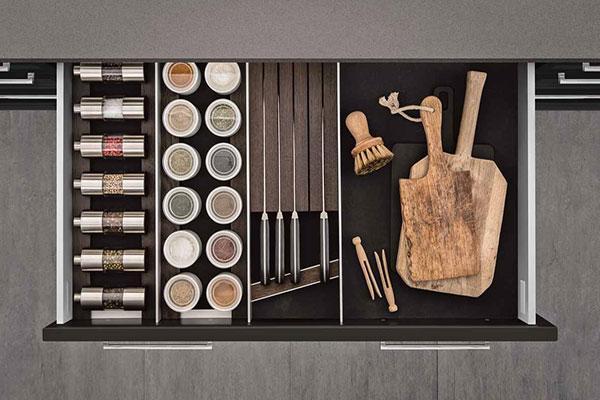 equipamiento interior de siematic adaptable a cualquier mundo estilstico