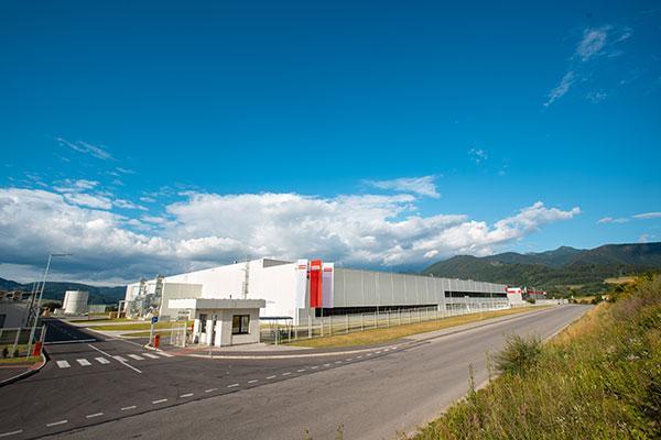 franke inaugura una planta de produccin de fregaderos de color en eslovaquia