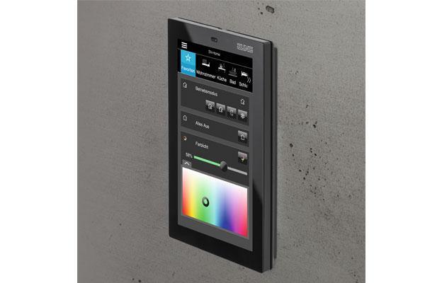 nuevo panel smart control 5 de jung para el control domtico en viviendas