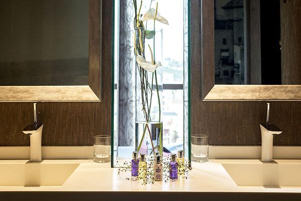 la grifera hansgrohe seleccionada por su eficiencia energtica y diseo para los baos del hotel mim sitges