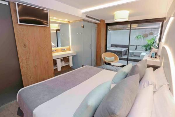 himacs moderniza el hotel kaktus playa en barcelona inspirndose en el mediterrneo