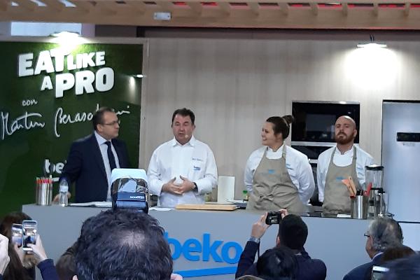 beko hace su segunda parada en barcelona con su exitosa iniciativa eat like a pro