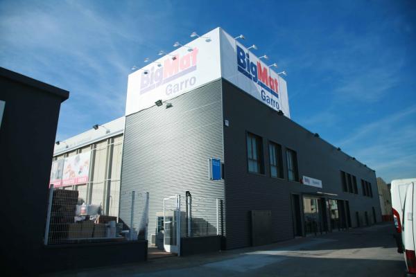 bigmat garro ampla su tienda de canovelles con una nueva superficie de 450msup2sup