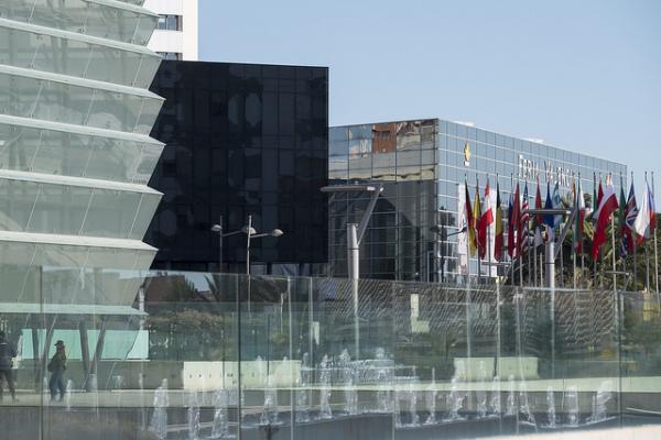 cevisama vuelve a crecer en oferta y se vuelca con la arquitectura y el interiorismo en su 37 edicin