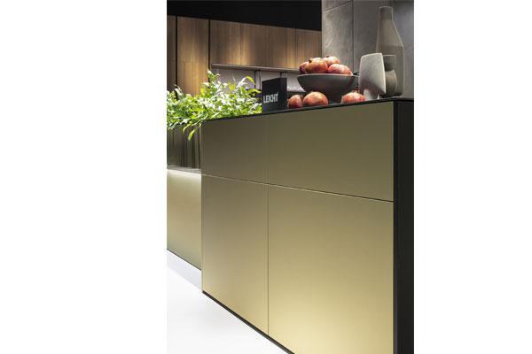 dorado la nueva cocina de leicht con un gran toque de distincin
