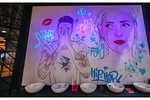 lavabos y murales lumnicos de bathco sorprenden en cevisama 2019
