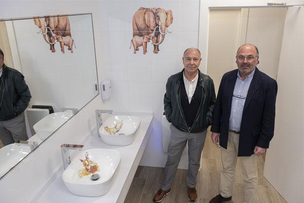 cabrceno estrena los baos decorados por los artistas de bathco atelier