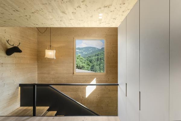 una casa eficiente en la cerdanya con sistema de ventilacin zehnder y radiadores runtal
