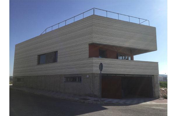 primera passivhaus certificada en sevilla con soluciones isover
