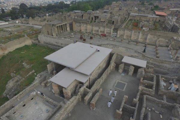 las propiedades de corian exteriors protegen los exclusivos restos histricos del complejo championnet