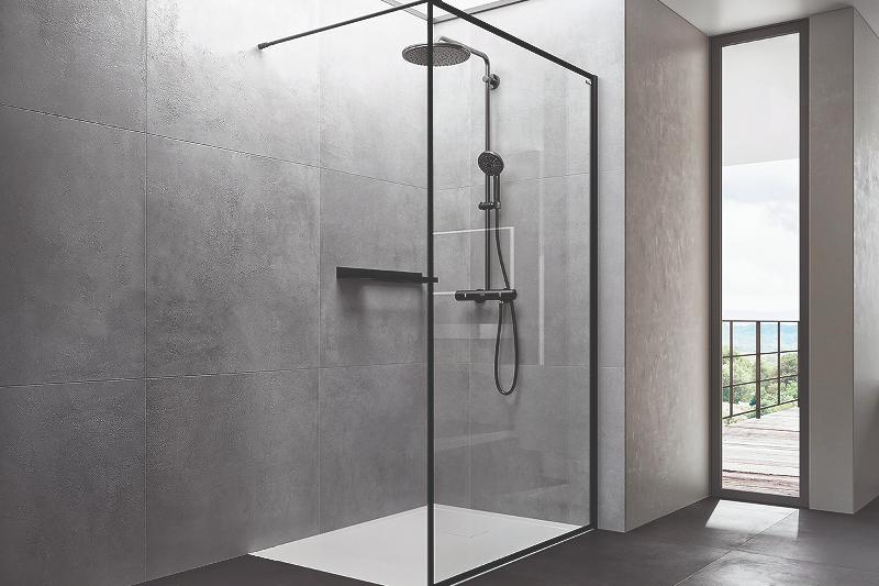 duscholux est potenciando la visin 360 el plato de ducha los revestimientos y la mampara