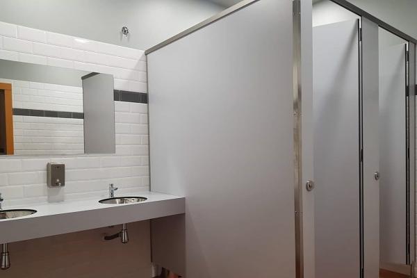 gabarro-presenta-diferentes-casos-practicos-de-sus-cabinas-sanitarias-para-equipamientos