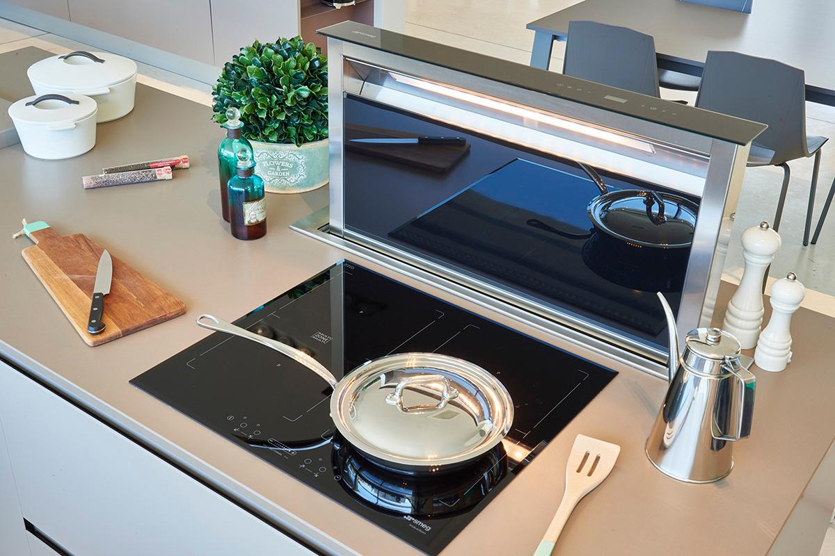 campanas retrctiles de smeg ideales para cocinas con espacio limitado