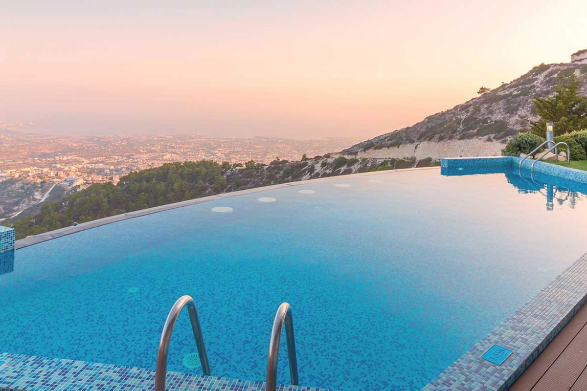 las bsquedas de piscinas y ventiladores aumentan en junio un 126 y 249 respectivamente