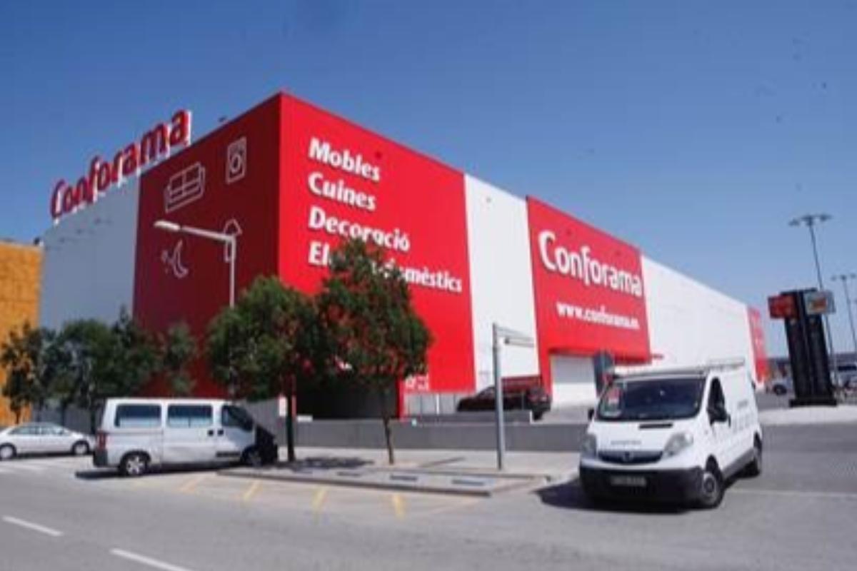 conforama inaugura su primera tienda en girona