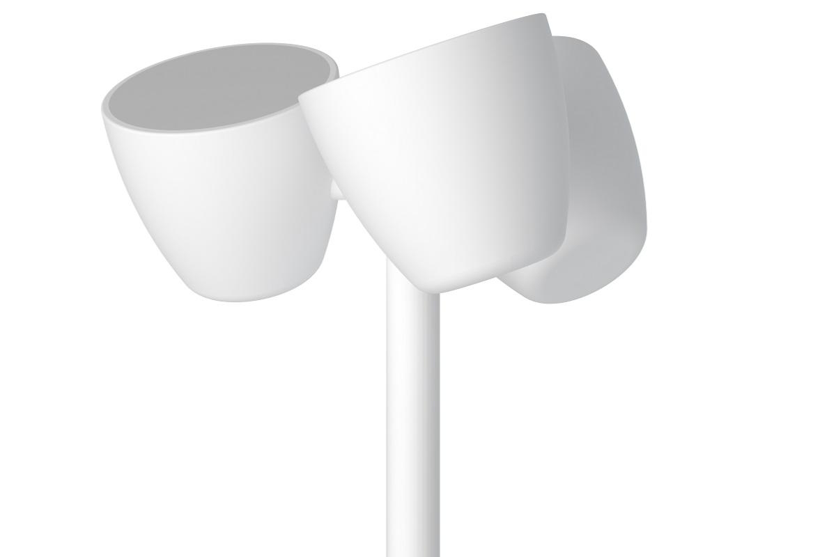 nuevo trio de pujol iluminacin tres focos orientables en una luminaria de pie