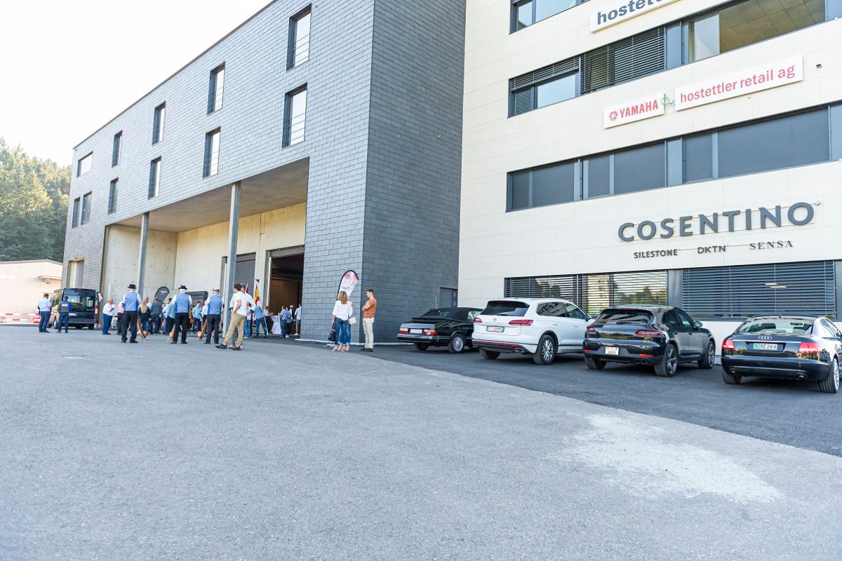 grupo cosentino estrena nuevo center en suiza