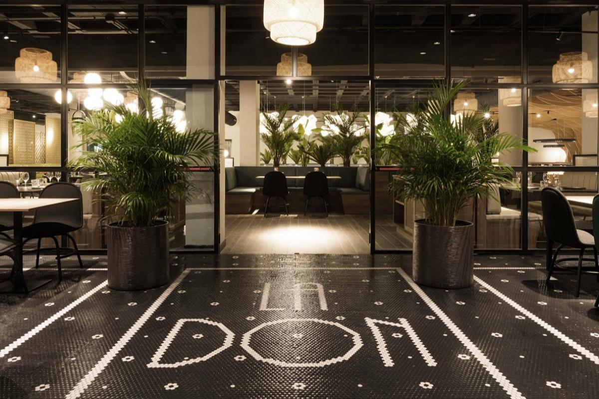 hisbalit personaliza dos proyectos finalistas en el certamen restaurant amp bar design awards