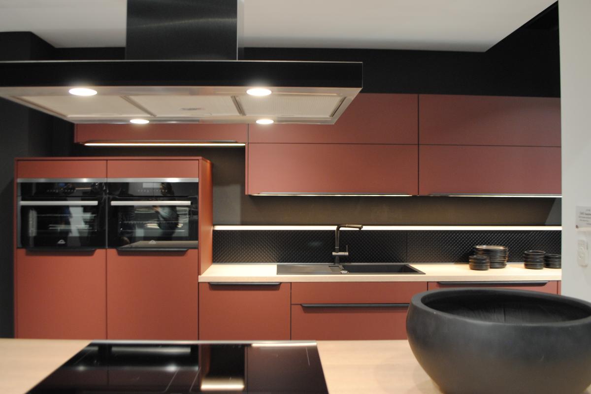 nobilia el gigante de la cocina vuelve con espacios ms amplios