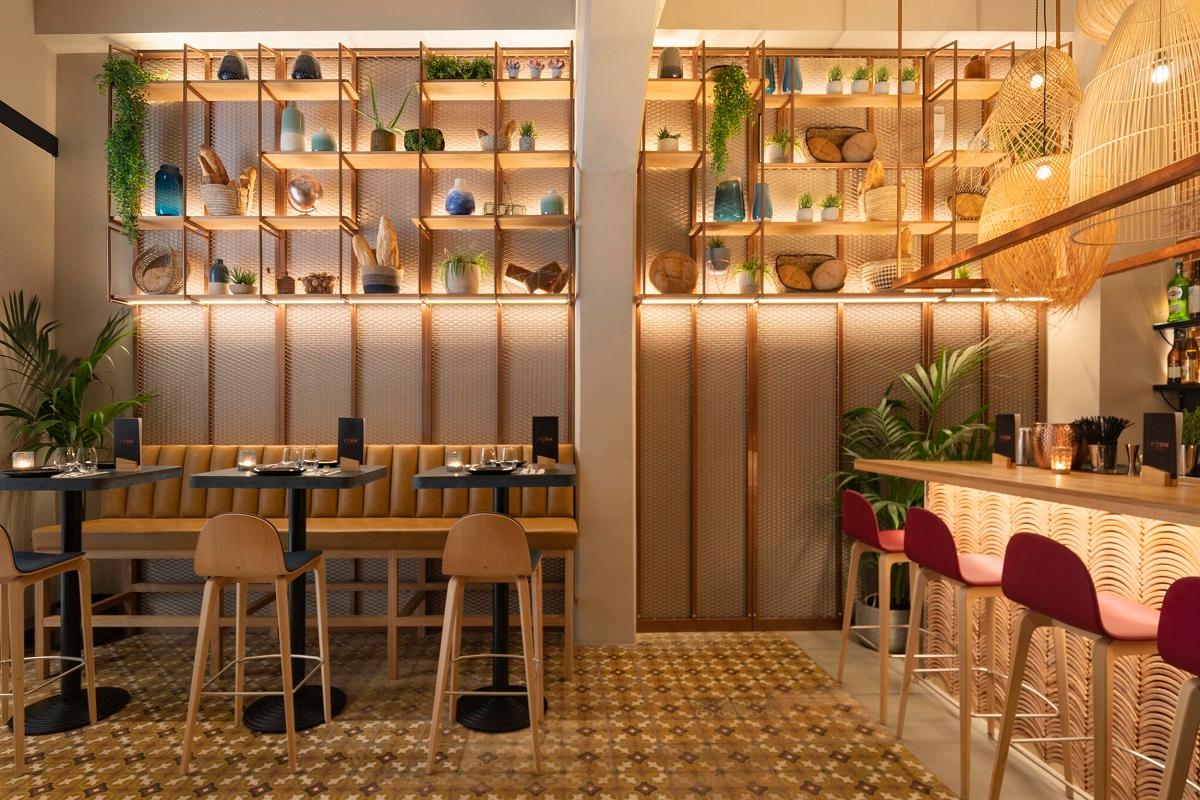 el equipo creativo responsable de la reforma del restaurante forn de sant joan en mallorca