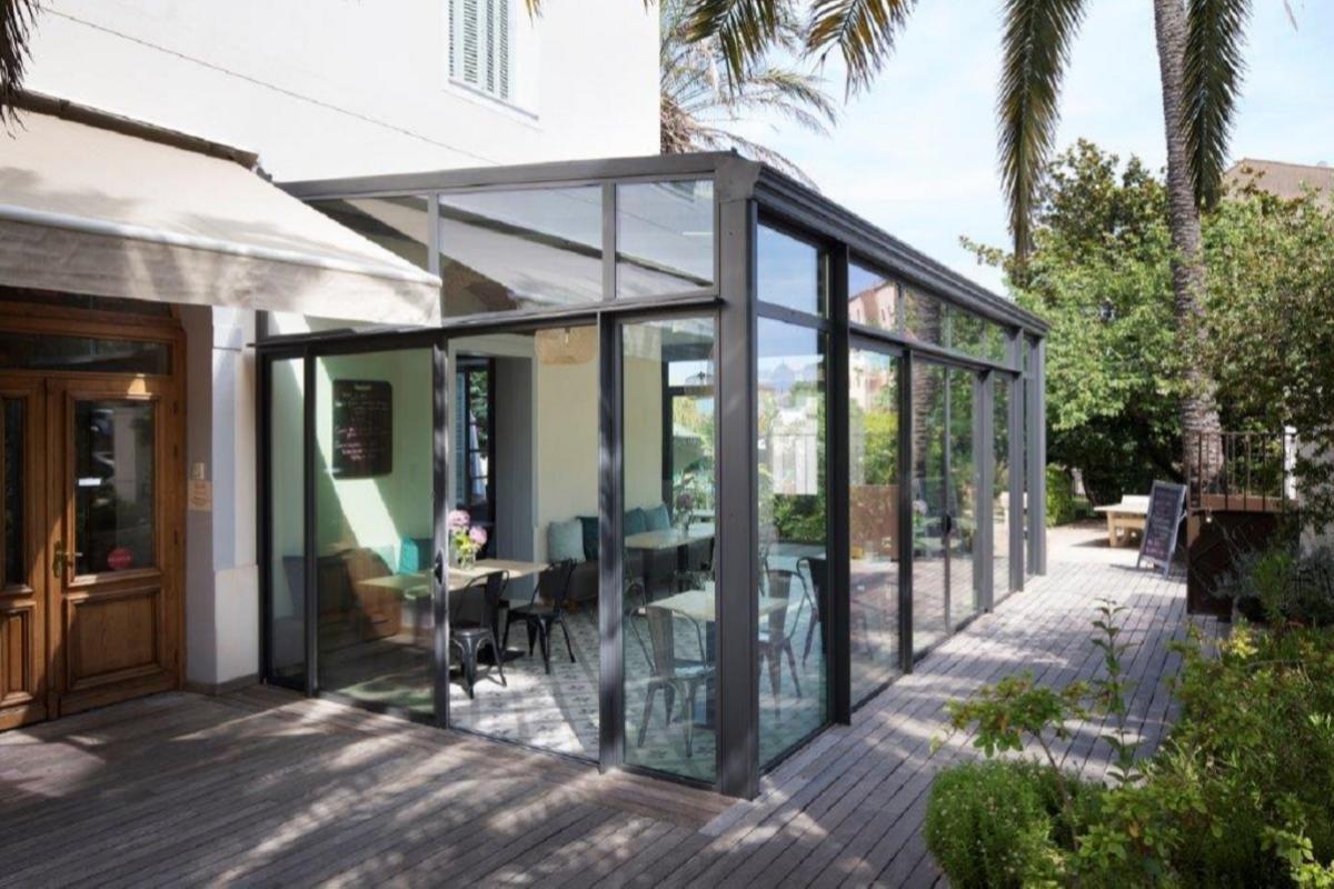 6 ideas para hacer de los exteriores de tu negocio espacios de diseo para todo el ao