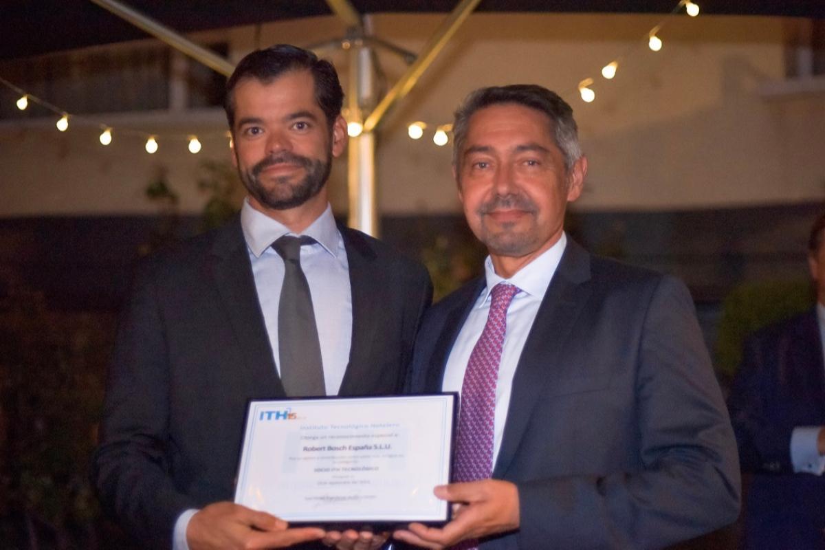el instituto tecnolgico hotelero reconoce a bosch termotecnia con el premio socio ith tecnolgico