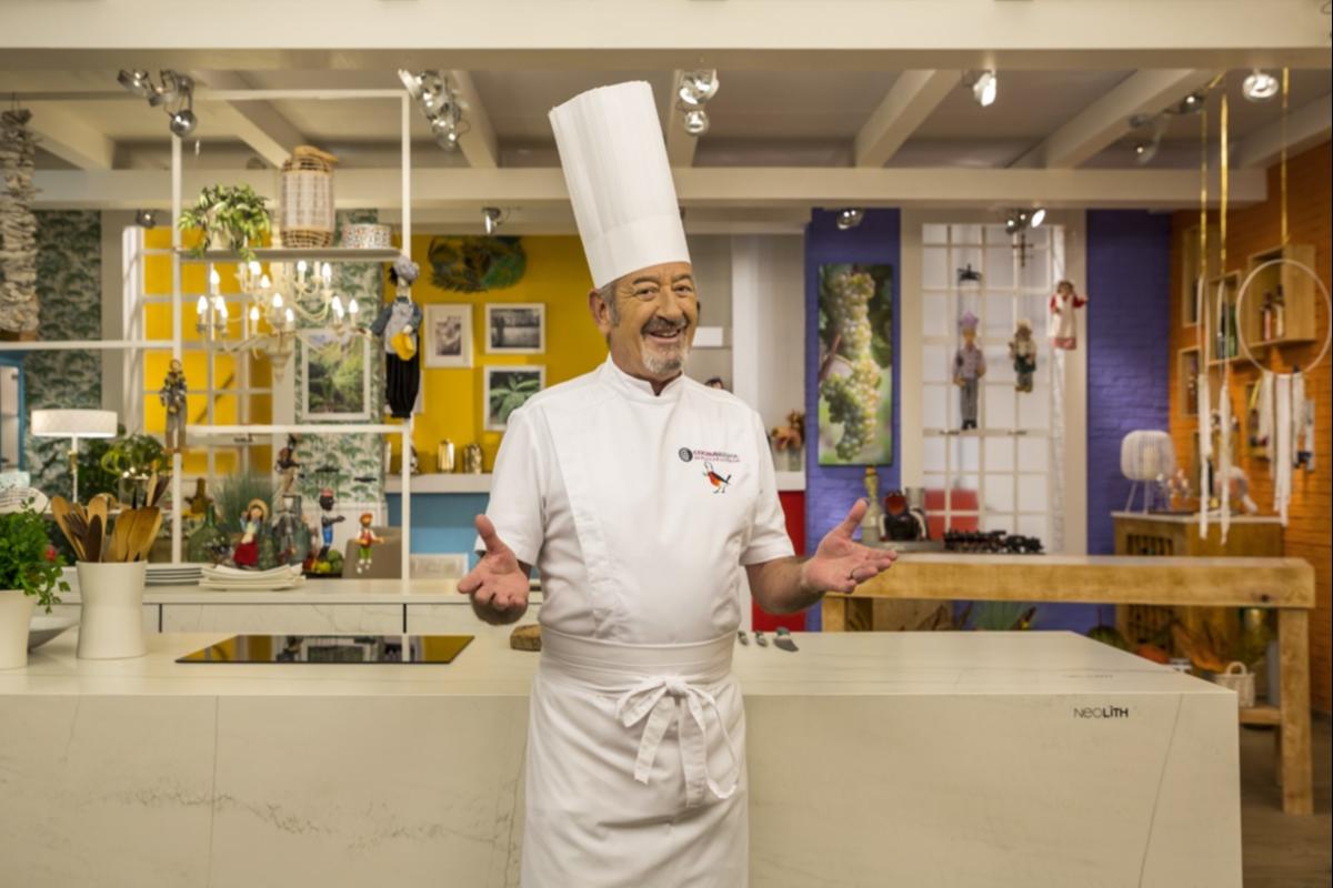 karlos arguiano presenta su nueva cocina de plat con neolith
