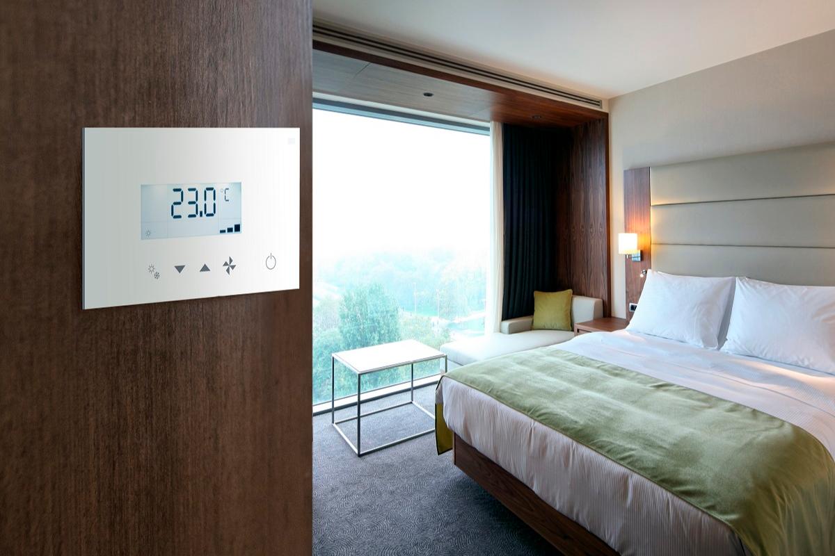 panasonic renueva el control tctil de los sistemas de climatizacin en hoteles