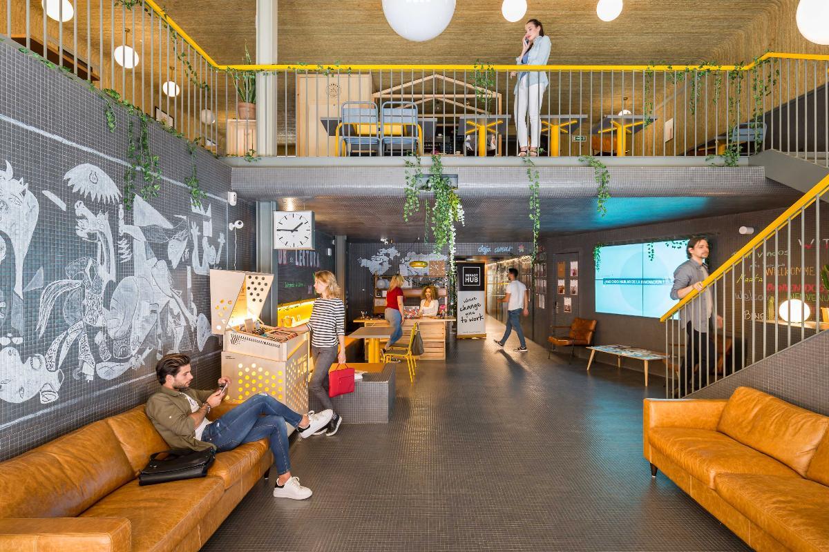 el mosaico de vidrio de hisbalit protagonista del espacio coworking sostenible impact hub piamonte 23