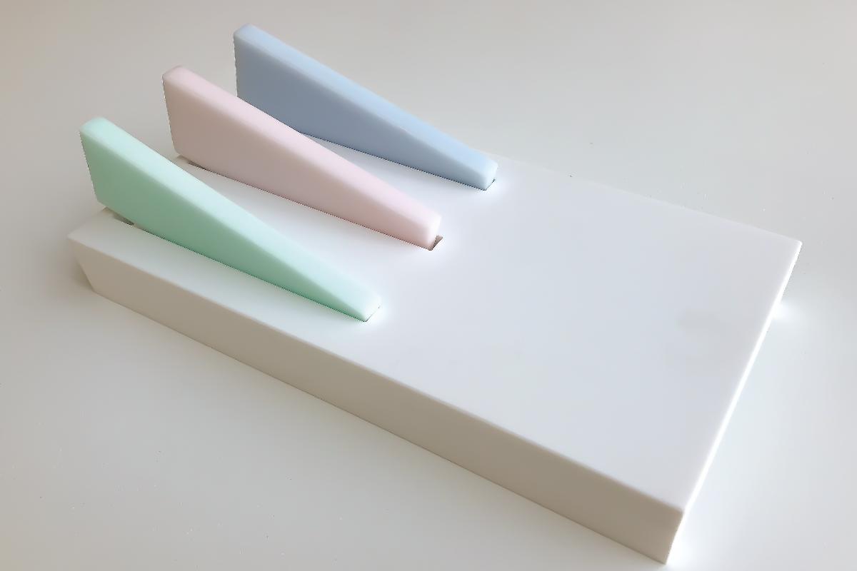 natascha van reeth presenta el atrevido juego de cuchillos himacs lucent