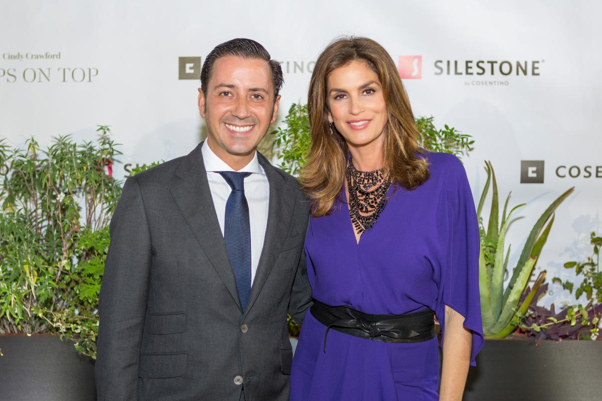 cindy crawford en la presentacin tops on top de silestonesupsup de cosentino en houston