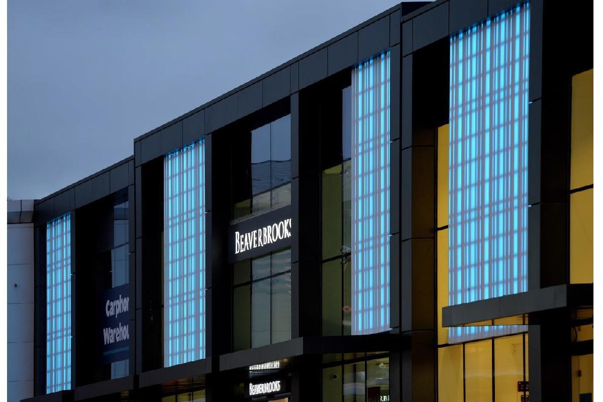 himacssup supilumina con sus propiedades translcidas una fachada en edimburgo