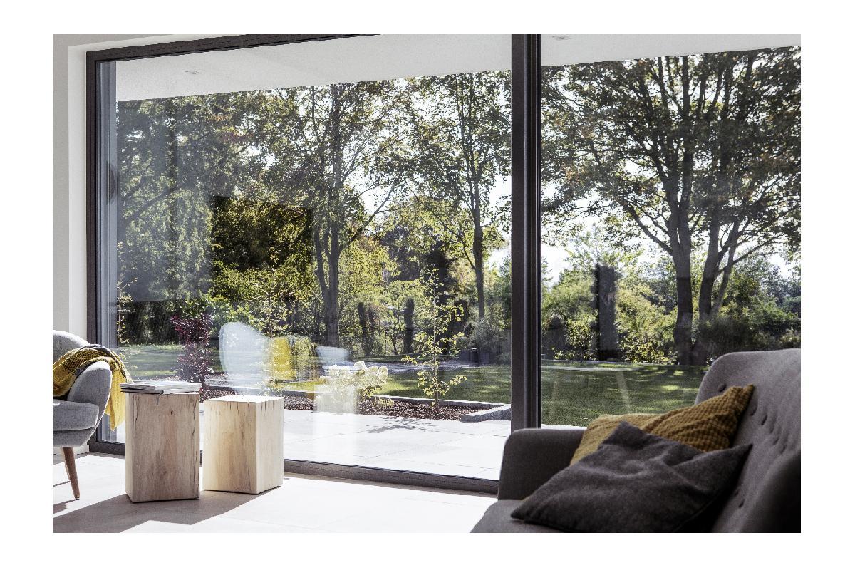 ventanas de pvc con triple junta de rehau altas prestaciones constructivas y buen aislante