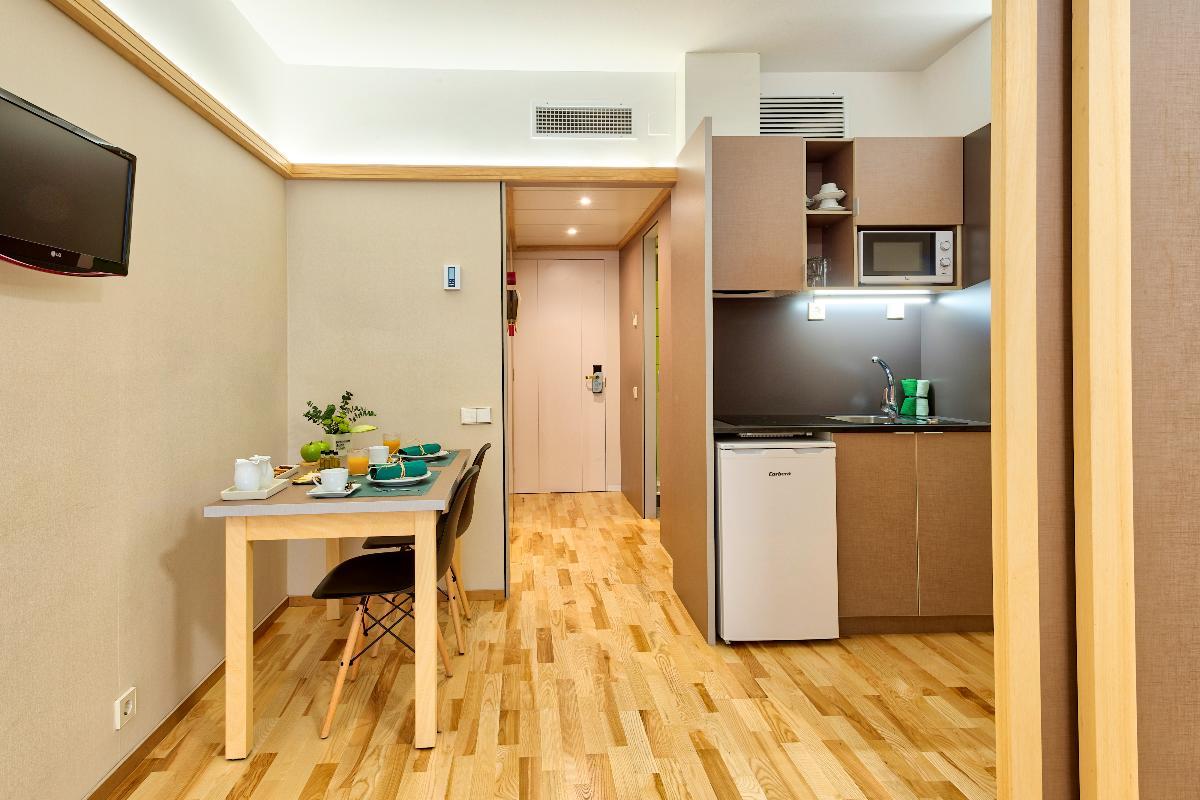 bigmat garro presente en la reforma del bonanova suite en barcelona
