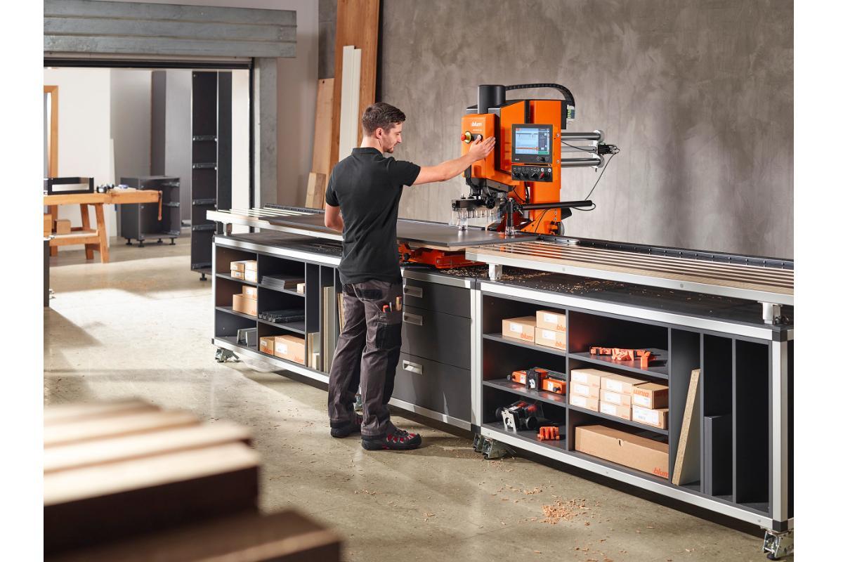 blum revolucionar fimma  maderalia con minipress top para taladrar e instalar herrajes