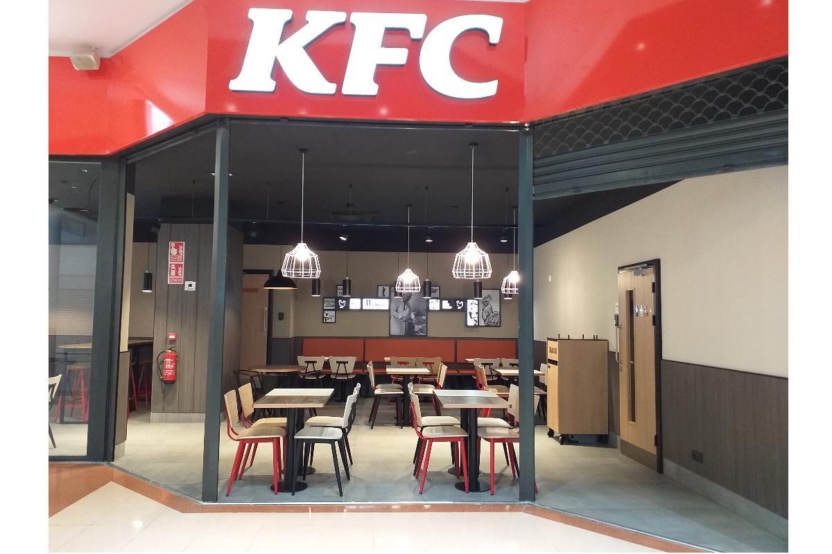 bigmat garro en la construccin del restaurante kfc del centro comercial llobregat centre