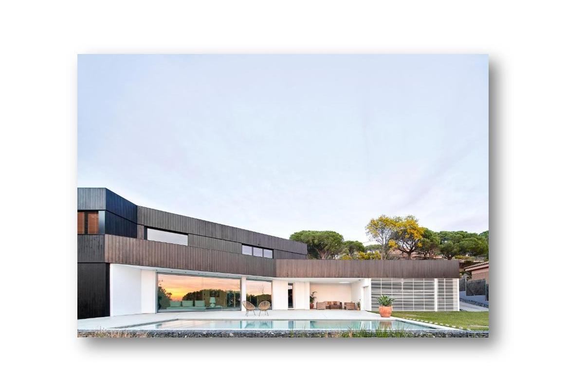 arquima construye una vivienda pasiva y de madera en cabrils