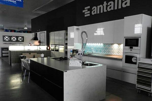 La nave se une a la familia de antalia - Antalia cocinas ...