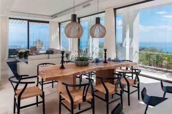 arquitectura contemporanea con alma andaluza de yeregui arquitectos en la costa marbelli