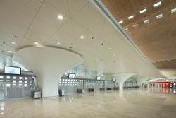 himacs equipa la terminal 2f del aeropuerto charles de gaulle en pars