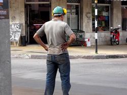 cada del 58 en el 4t de 2012 en el empleo de la industria del mueble y la madera
