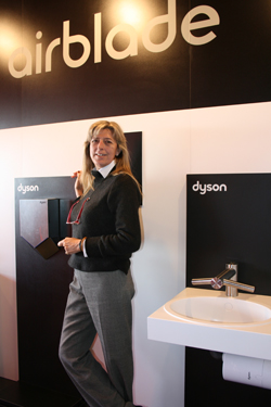 dyson lanza un grifo que tambin es secador de manos