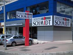 schmidt cocinas estrena dos tiendas en la costa del sol
